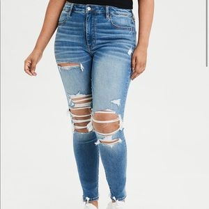 High waisted American eagle jeans with holes